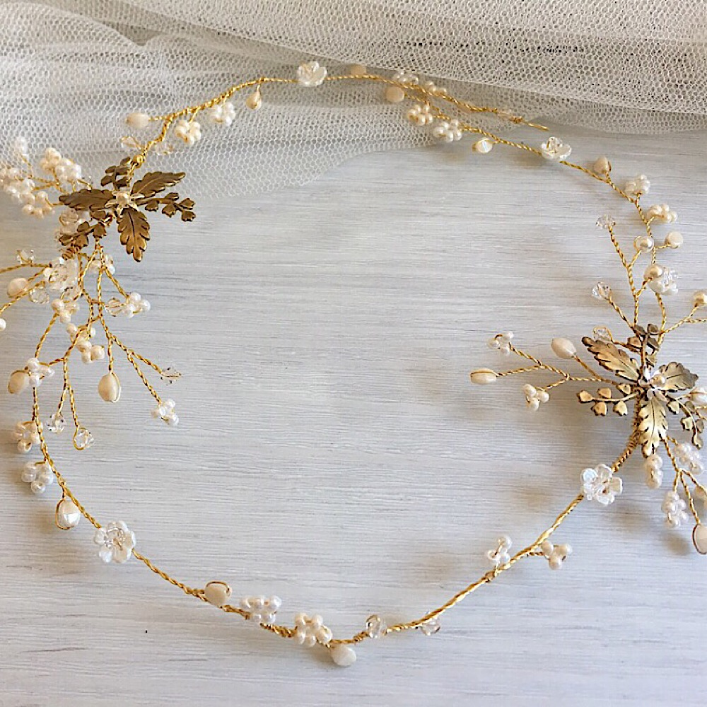 Whimsical gold leaf hair vine