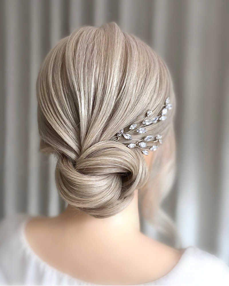 Wedding hair pins with sparkle